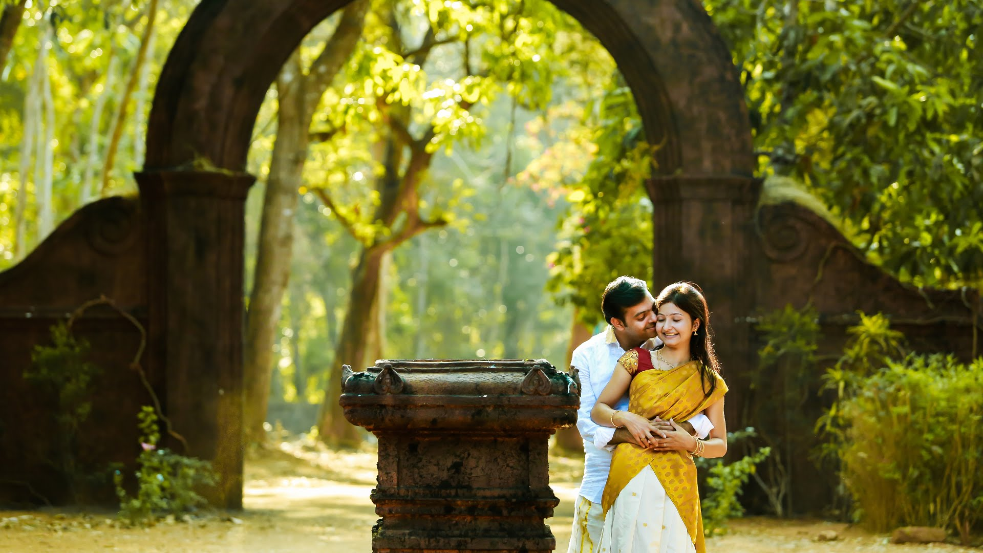 43 Romantic Ideas to Make Your Pre Wedding Photos Incredible - WhyKol