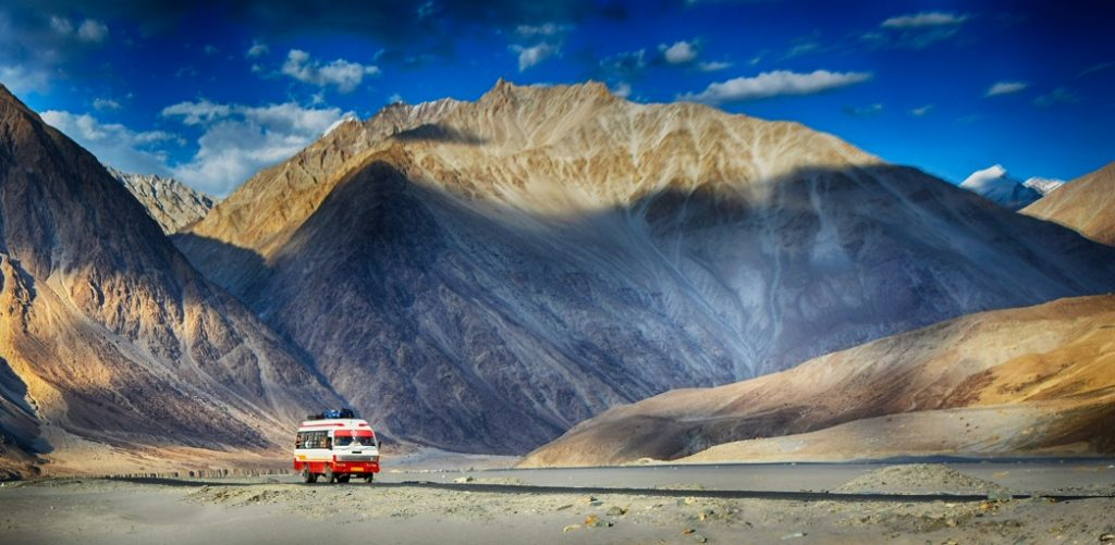 Hunder Sand dunes in Nubra valley
